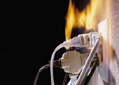 перенапряжение в сети, много электроприборов